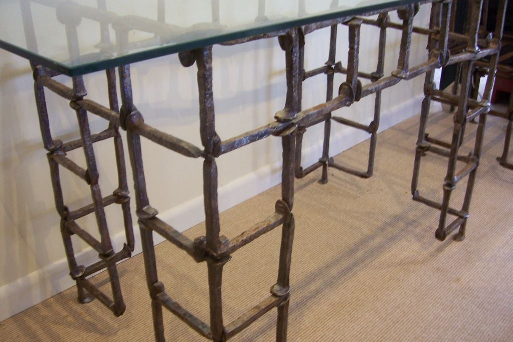 Merveilleux Mid 20th Century A Railroad Spike Sculptural Table/Desk For Sale
