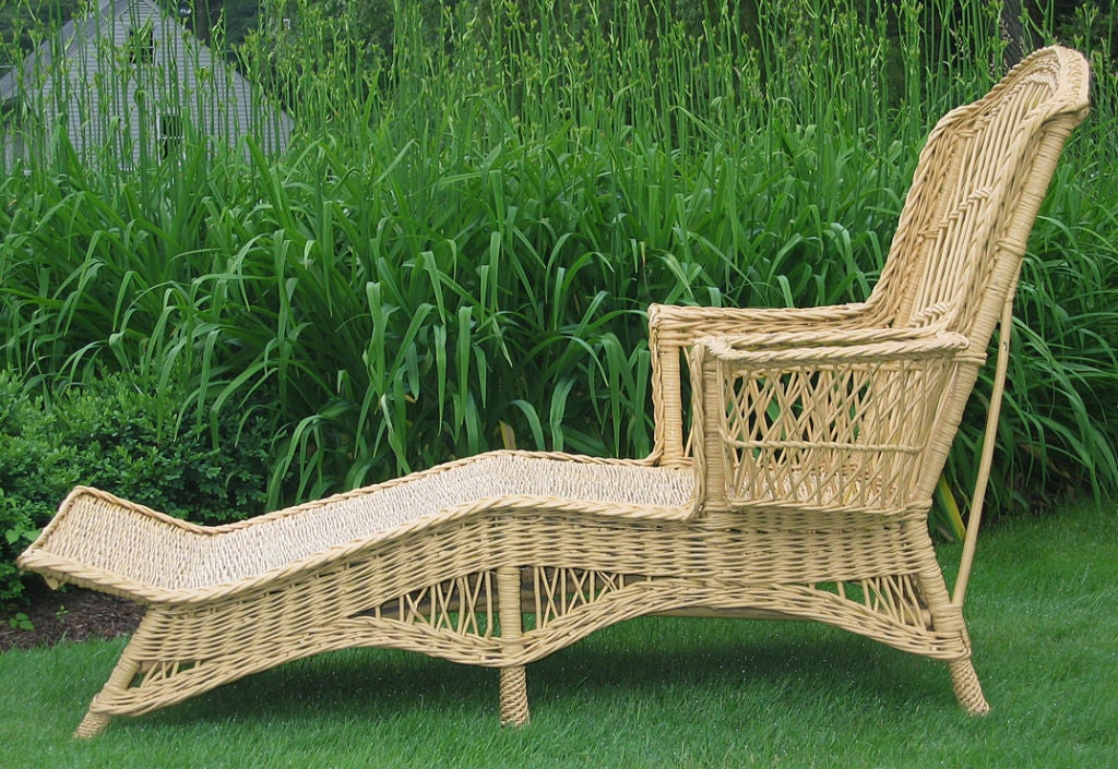 Bar harbor wicker chaise lounge at 1stdibs for Art nouveau chaise lounge