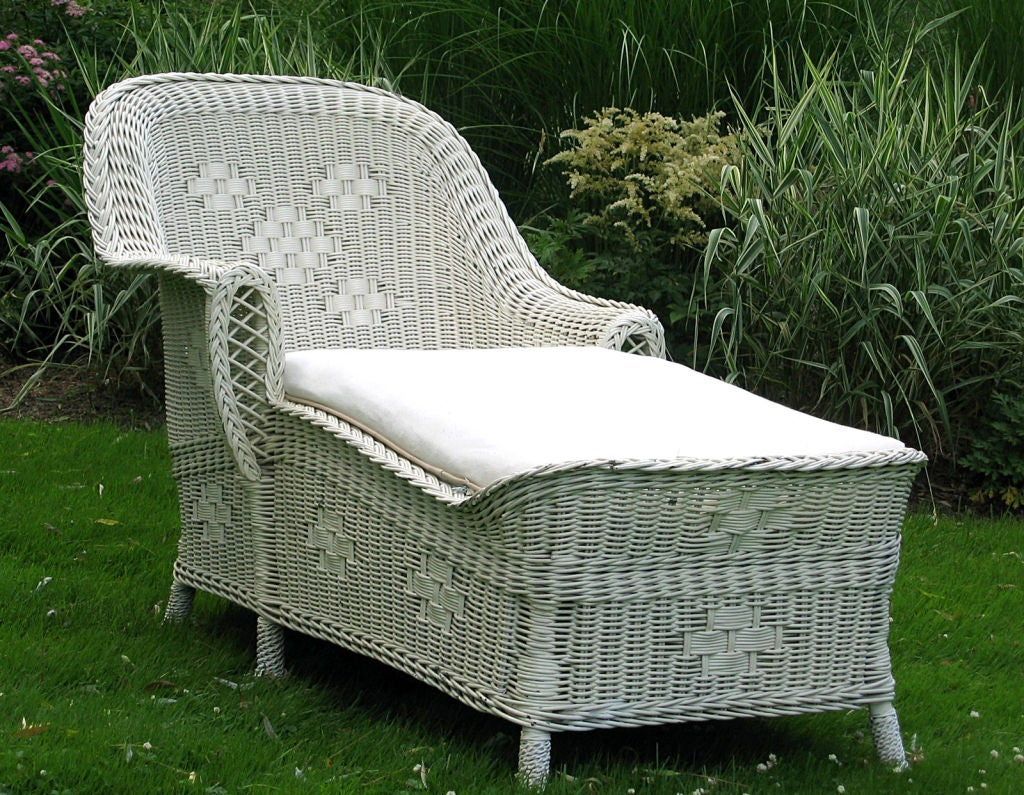 Art deco wicker chaise lounge at 1stdibs for Antique wicker chaise