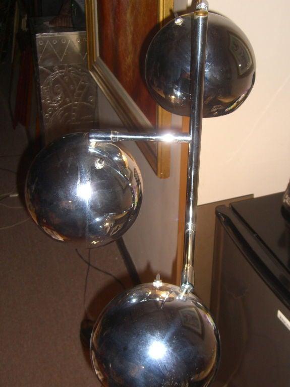 Nice 197039s 3 sphere chrome standing lamp with swivel for Sphere 5 light floor lamp