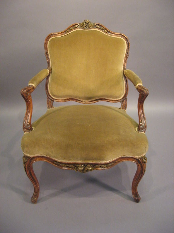 louis xv fauteuil in walnut with painted accents france c 1760 for sale at 1stdibs. Black Bedroom Furniture Sets. Home Design Ideas