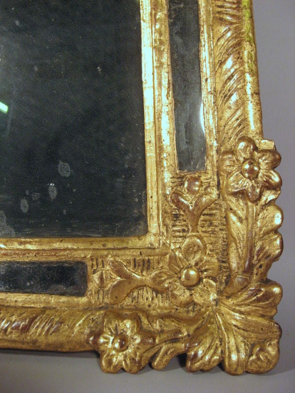 Petite Louis XVI Gilt-wood Mirror with Crest, France, c. 1780 6
