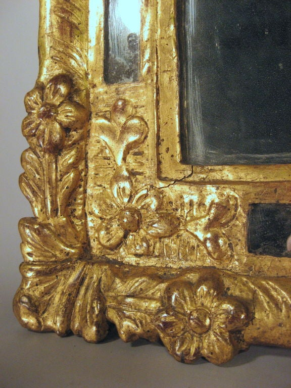 Petite Louis XVI Gilt-wood Mirror with Crest, France, c. 1780 5