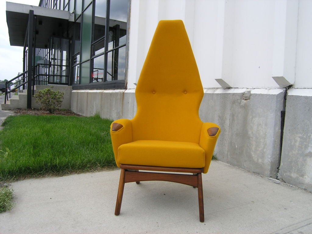 High-Back Armchair, Model 2056-C, by Adrian Pearsall for Craft Associates In Excellent Condition For Sale In Boston, MA
