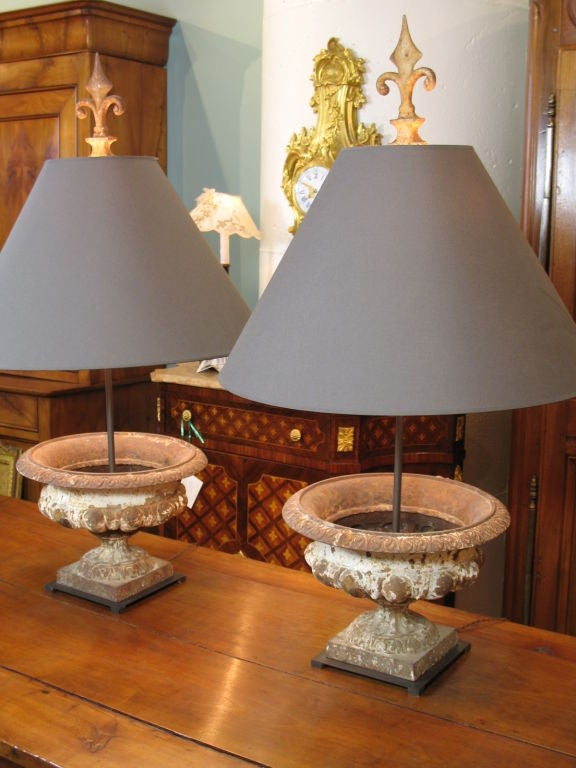 Neoclassical Pair of French Cast-Iron Urn Lamps For Sale