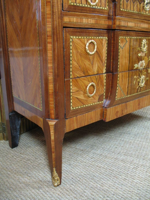 French 18th Century Transitional Marquetry Commode For Sale 7