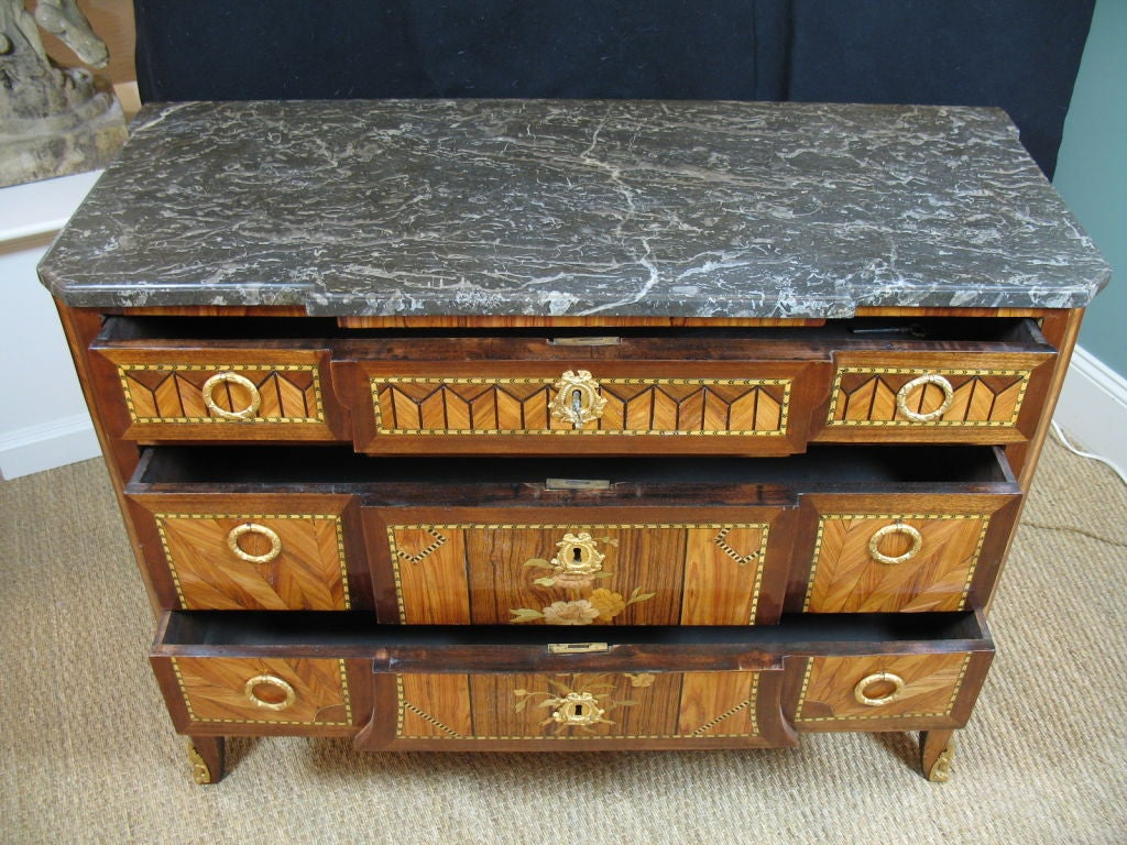French 18th Century Transitional Marquetry Commode For Sale 8