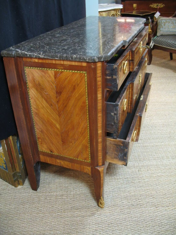 French 18th Century Transitional Marquetry Commode For Sale 9