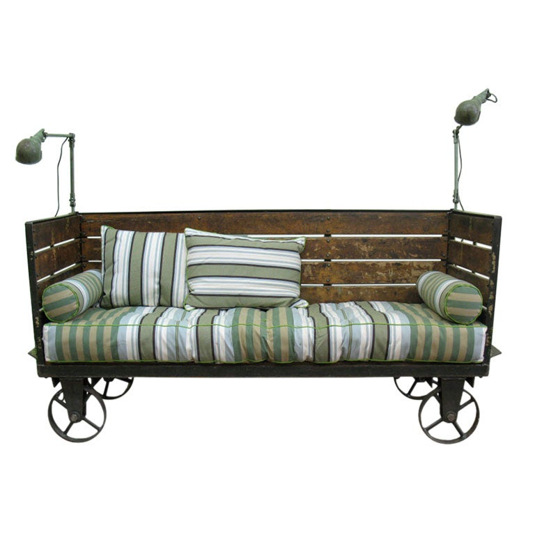 Industrial cart settee at 1stdibs for Sofa industrial