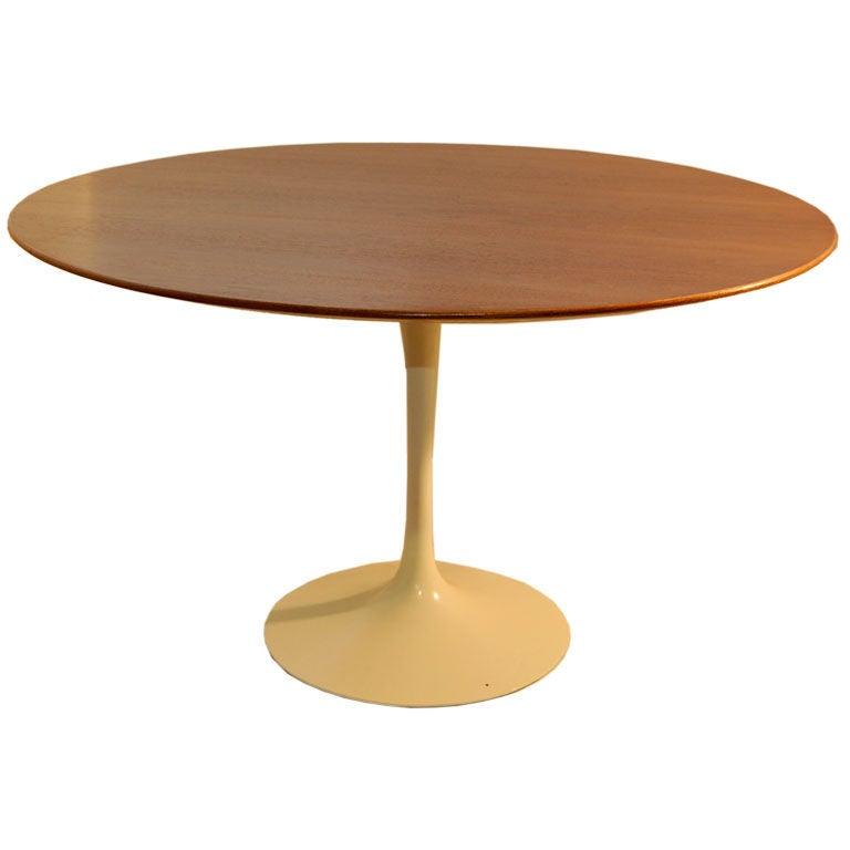 eero saarinen tulip dining table at 1stdibs. Black Bedroom Furniture Sets. Home Design Ideas