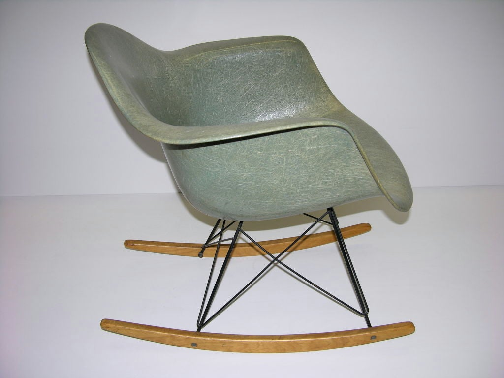 charles and ray eames rocking chair rar at 1stdibs. Black Bedroom Furniture Sets. Home Design Ideas