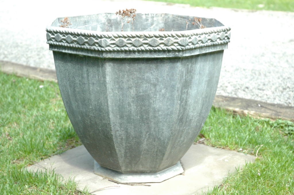 Lead urn for sale at 1stdibs for Lead planters for sale