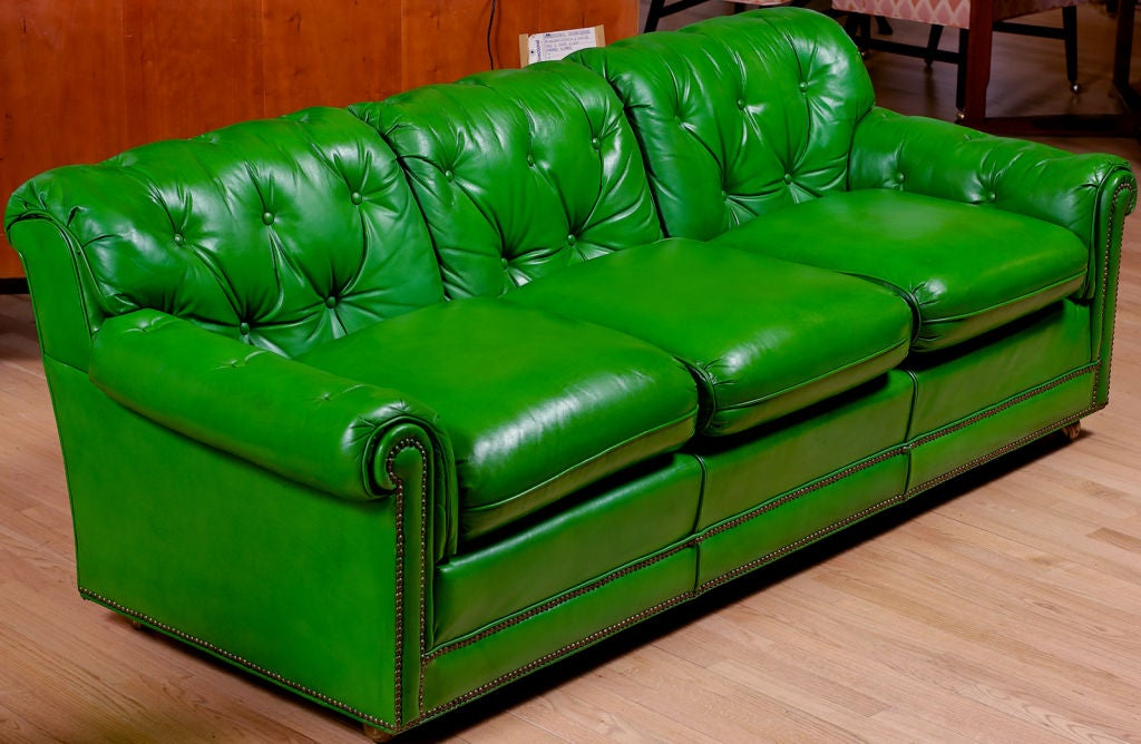 Stunning 1960s grass green leather sofa at 1stdibs for Lime green sofa