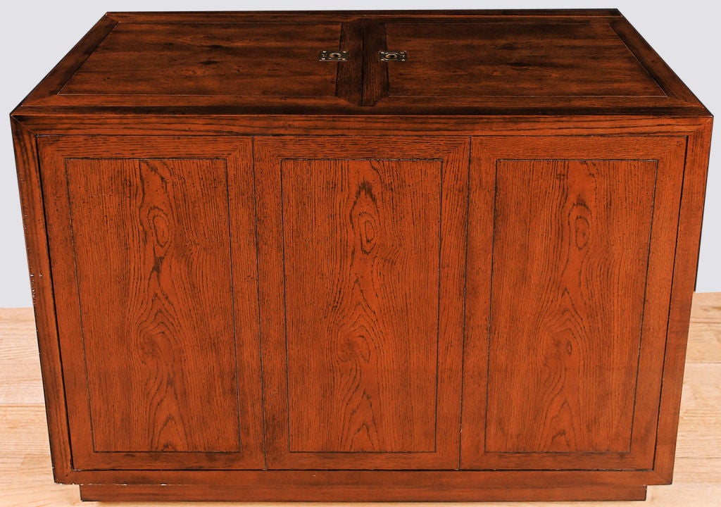Henredon Elm Bar Cabinet With Campaign Style Hardware At