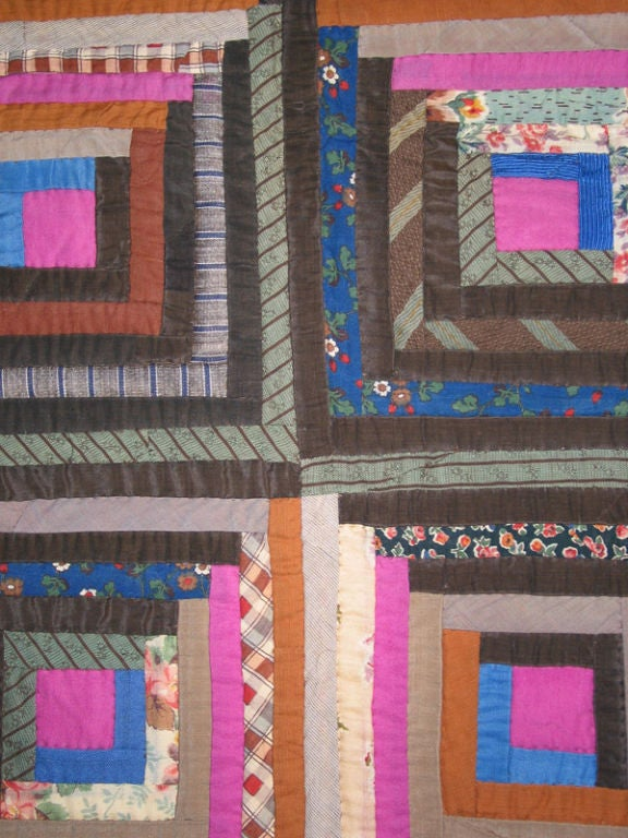 Antique Quilt, Log Cabin, Light and Dark Variation In Excellent Condition For Sale In New York, NY
