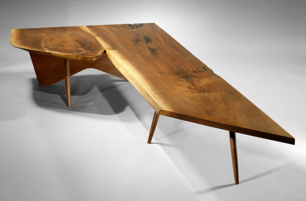 unique coffee table bench by george nakashima 1957 for. Black Bedroom Furniture Sets. Home Design Ideas
