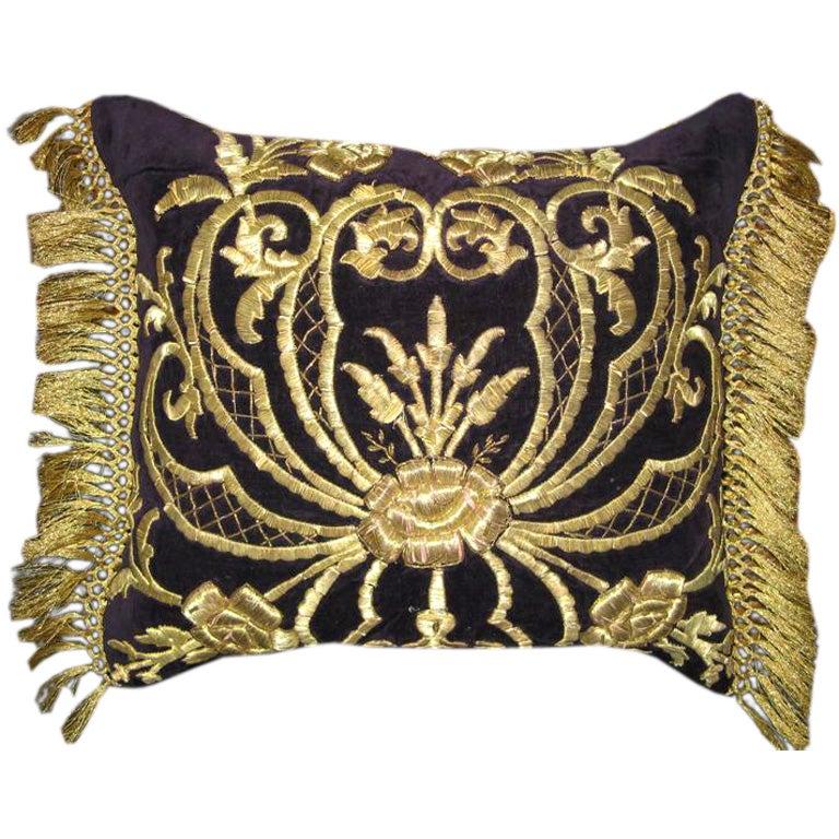 Antique Gold Decorative Pillows : 1stdibs_058_medium.jpg