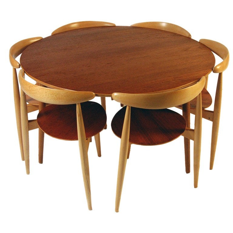 quotHeartquot Table and Chairs by Hans Wegner at 1stdibs : wegnerset from www.1stdibs.com size 768 x 768 jpeg 62kB