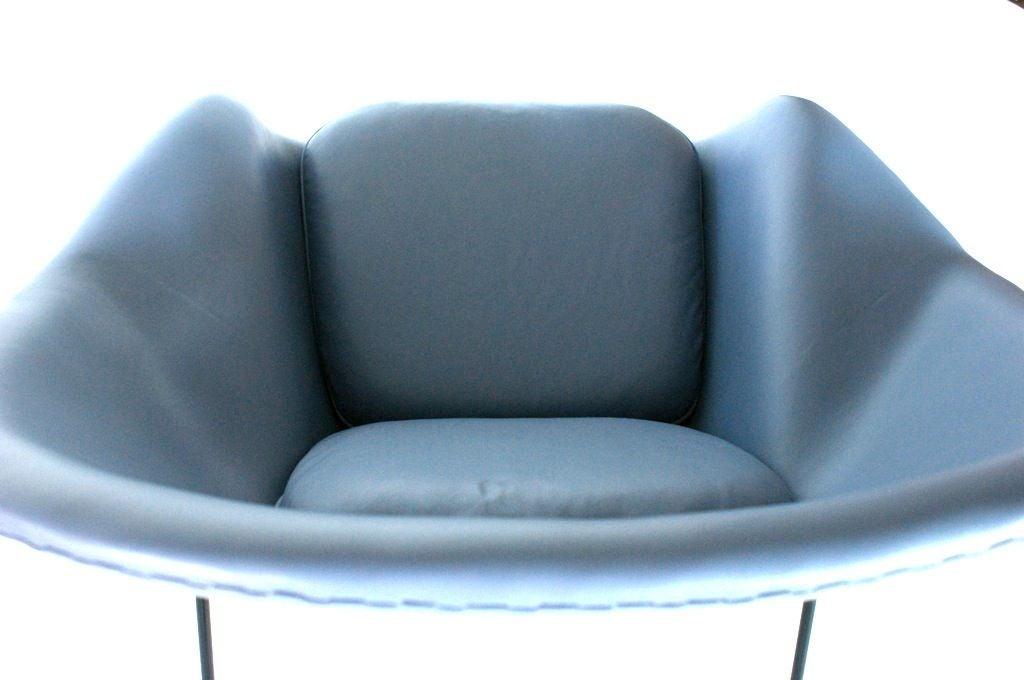 Fiberglass Eero Saarinen Womb Chair For Sale