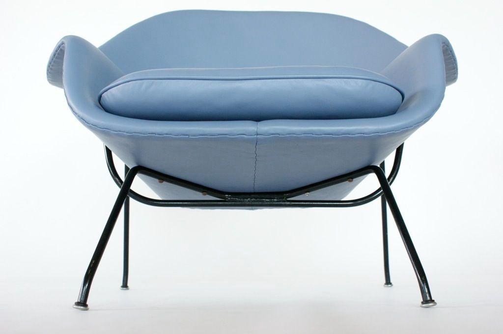 Eero Saarinen Womb Chair For Sale 1