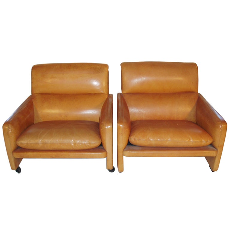 A Pair Of 1950s French Leather Club Chairs At 1stdibs