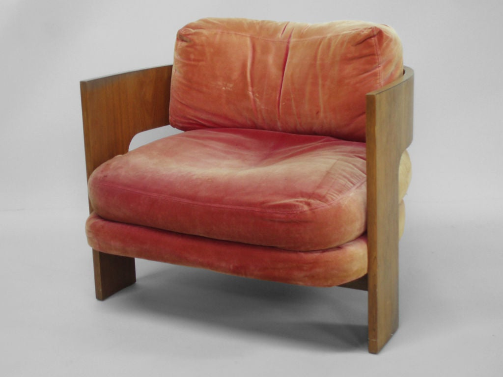 A Rosewood Barrel Chair By Milo Baughman At 1stdibs