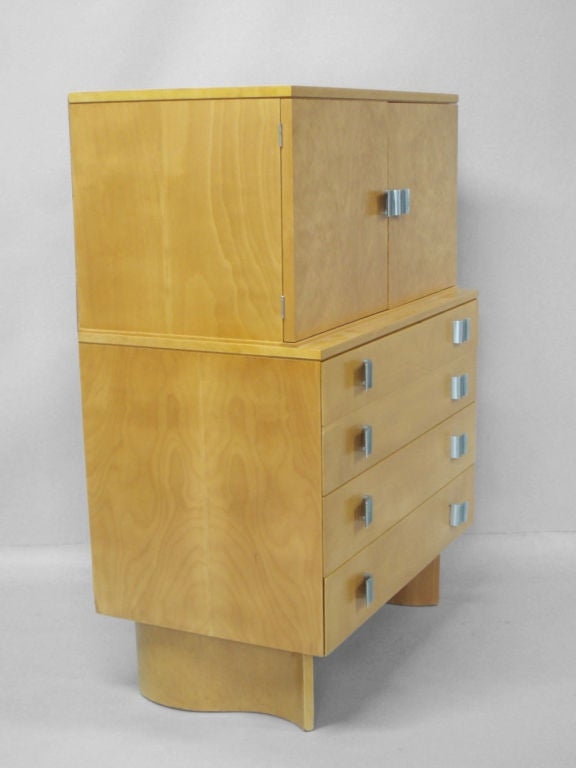 A blonde chest on chest by Eilel Saarinen his daughter Pipsan Saarinen Swanson and her husband Robert Swanson for Johnson Furniture, circa 1948.