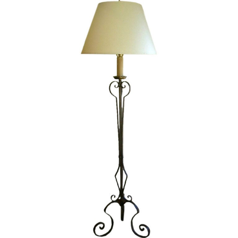 french 1940 wrought iron floor lamp for sale at 1stdibs. Black Bedroom Furniture Sets. Home Design Ideas