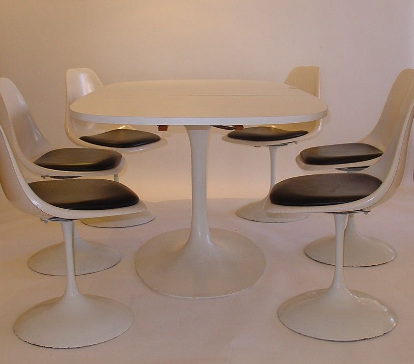 Burke Saarinen Style Tulip Table And Six Chairs At 1stdibs