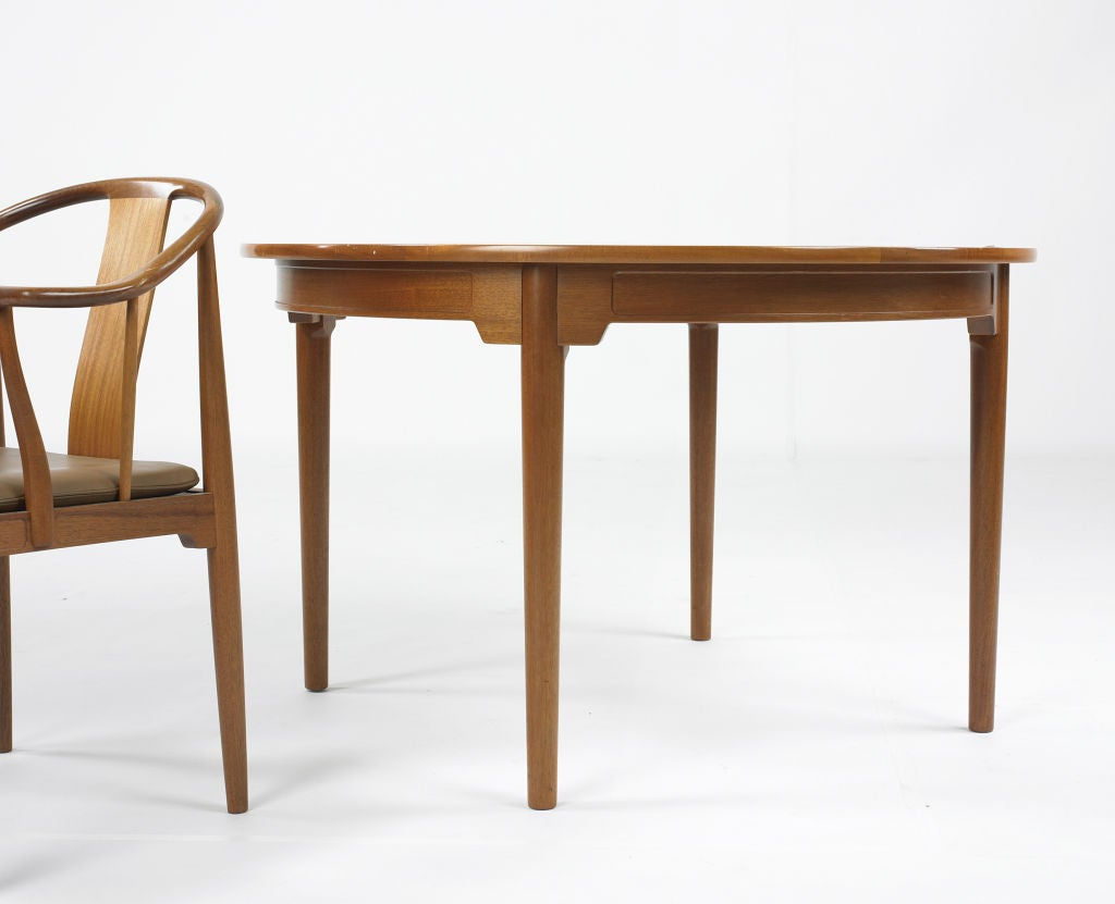 Chinese dining table by hans wegner at 1stdibs for Oriental dining table