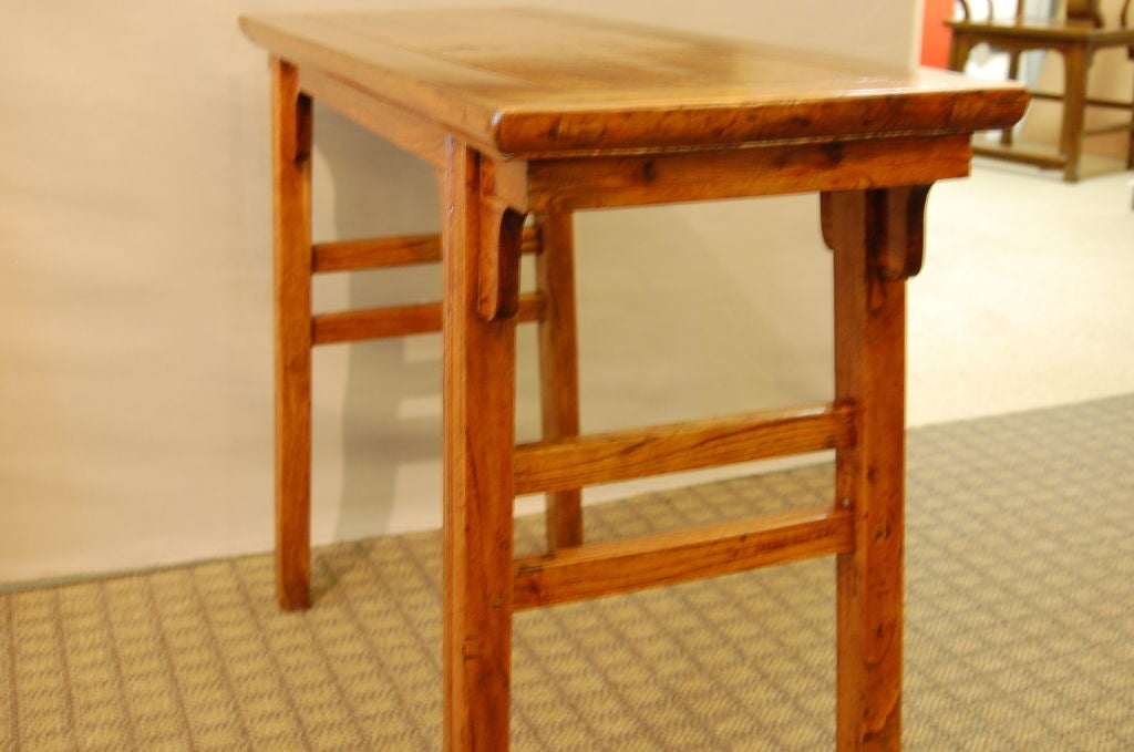 18th Century Chinese Elmwood Side Table with Elegant Lines For Sale 2