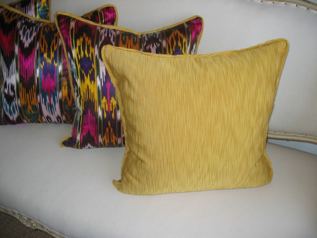 Handmade Ikat Throw Pillows : 20