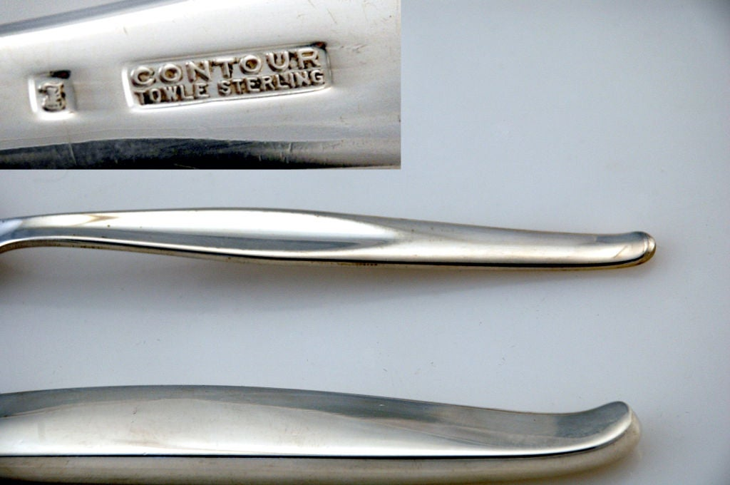 Sleek Moderne Towle Contour Sterling Silver 101 Pieces Flatware 1951 In Excellent Condition For Sale In New York, NY