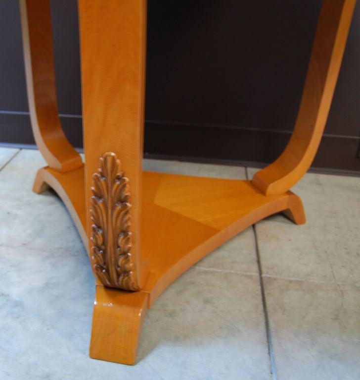 Swedish Art Deco Moderne Golden Elm End or Side Table In Excellent Condition For Sale In Atlanta, GA
