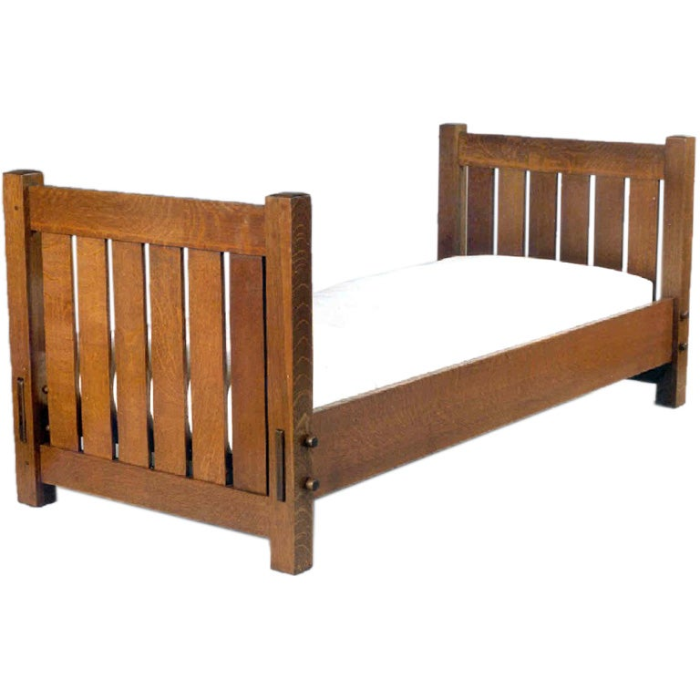 Mission arts crafts knockdown daybed by gustav stickley at for Arts and crafts daybed
