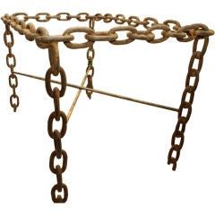 Dramatic Chain Table
