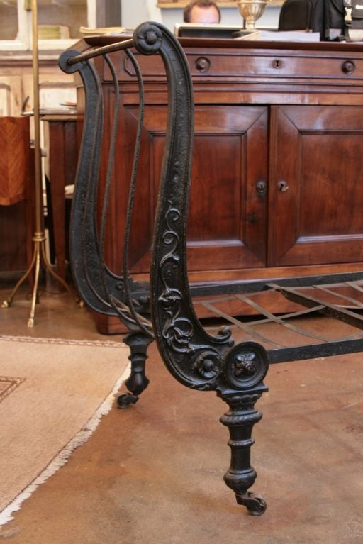 Cast Iron French Napoleon III Daybed 2