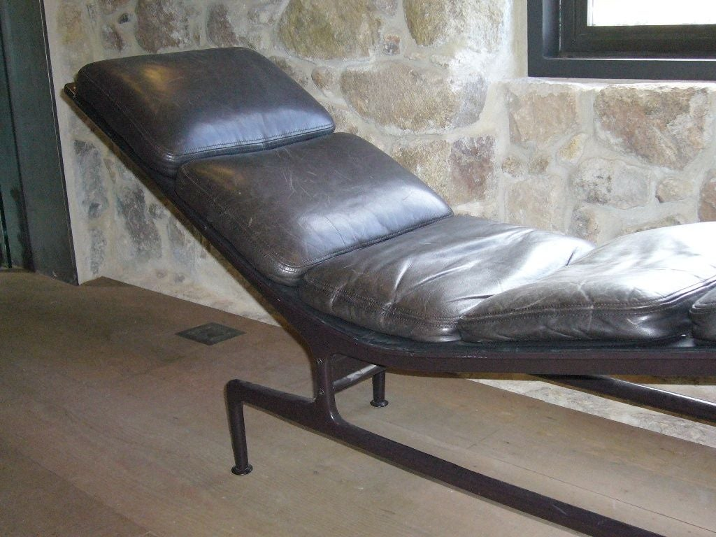 Billy Wilder Chaise Lounge by Charles and Ray Eames 4