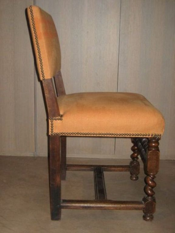 Set Of Six Walnut Dining Chairs With Turned Legs At 1stdibs