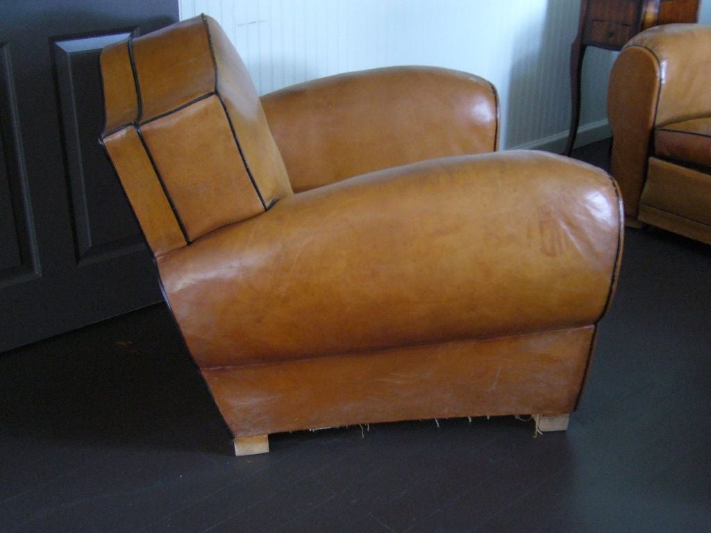 Mid-20th Century Pair of Art Deco Leather Club Chairs For Sale