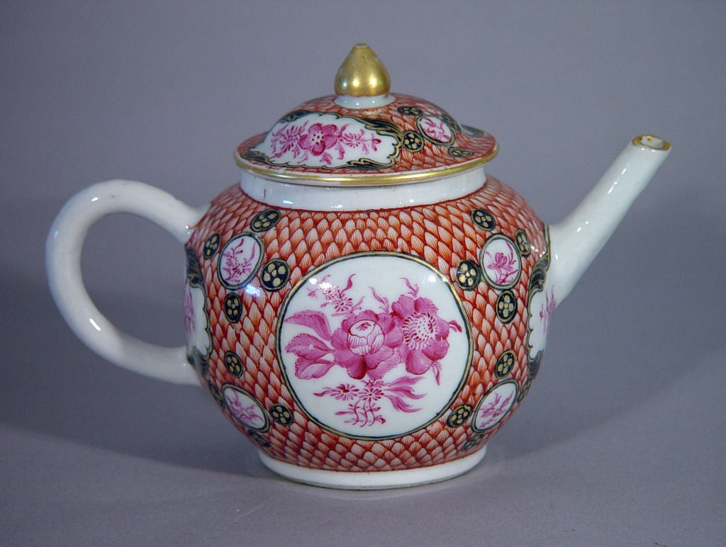 18th Century Chinese Export Coral and Puce Porcelain Tea Service For Sale 4