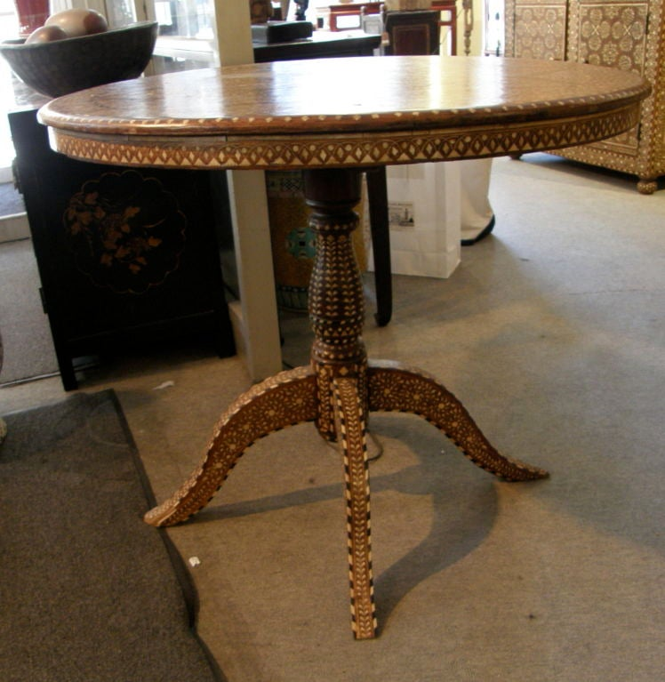 Indian India antique Anglo English colonial inlaid teak dinning table For Sale