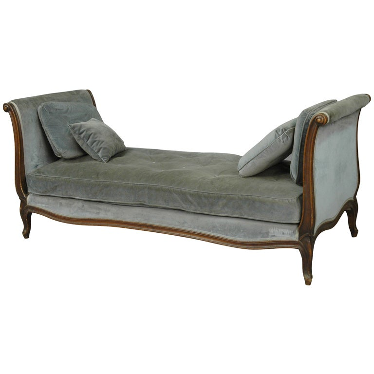Upholstered Day Bed 1