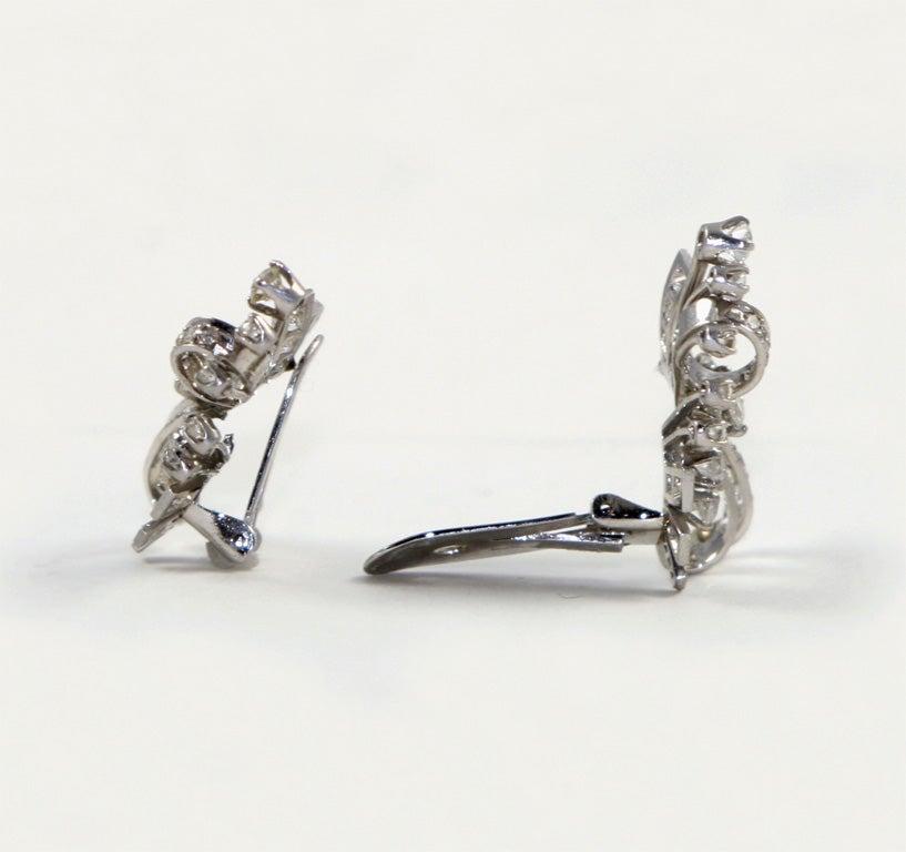 18kt White Gold & Diamond Earings. image 4