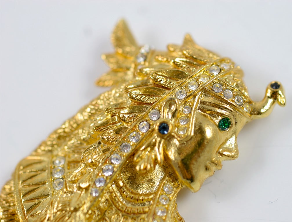Bob Mackie Cleopatra Brooch In Good Condition For Sale In Stamford, CT
