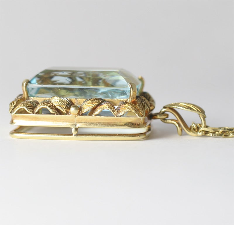 Magnificent Faceted Aquamarine Pendant & Cha in 18kt Yellow Gold 7
