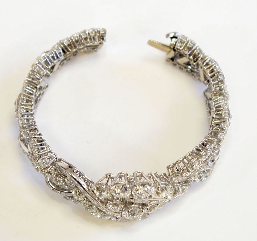 Spectacular Boucheron Platinum Diamond Bracelet In Excellent Condition For Sale In New York, NY