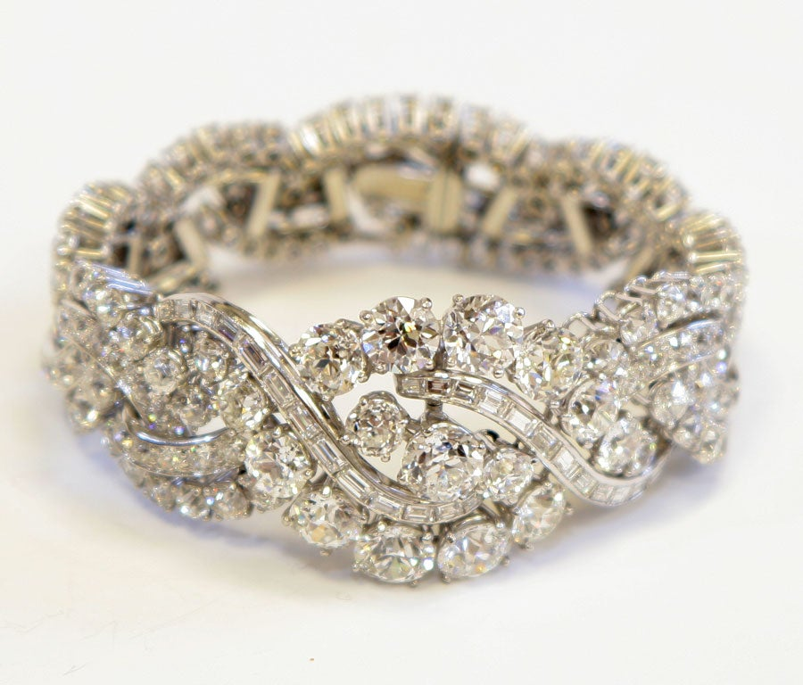 15 major round brilliant cut diamonds  20.46 carats <br />