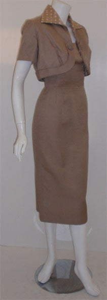 Don Loper Taupe Silk Wiggle Dress with Polka Dot Lined Jacket, Circa 1950 In Excellent Condition For Sale In Los Angeles, CA