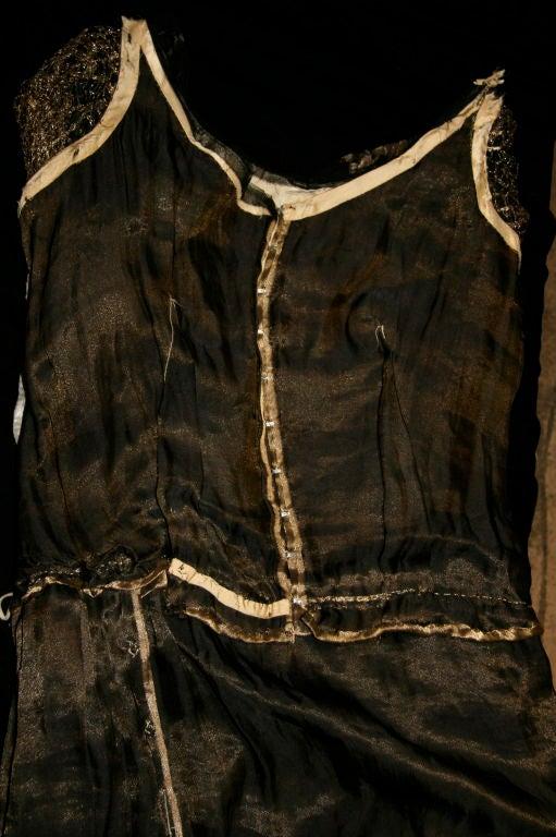 1920s Vintage Dress. Black silk chiffon and gold lame brocade 8